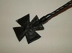 Стек плетеный (короткий), наконечник Крест красный лак